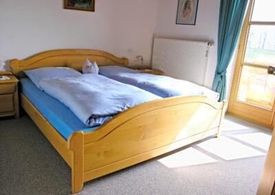 Schlafzimmer der Ferienwohnung 2 | Urbanhof Fam. Reif